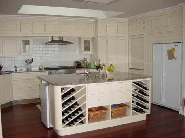 1 English country kitchen overview