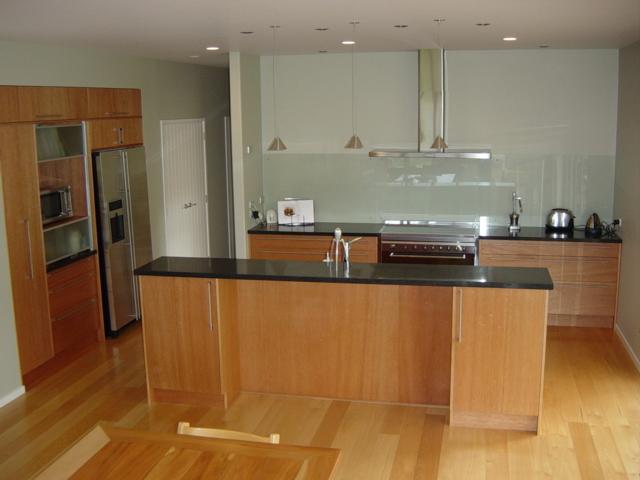 1 Meranti kitchen overview