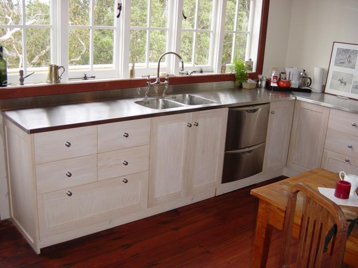 1 Whitewashed macrocarpa doors drawers - lacquer finish_700x525