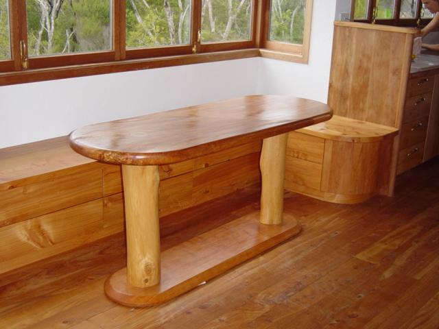 7 Yin yang table seating area