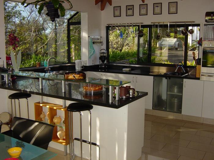 Black granit benchtops glass kitchen_700x525