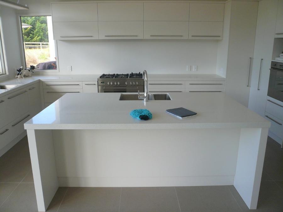 Serene_kitchen_overview