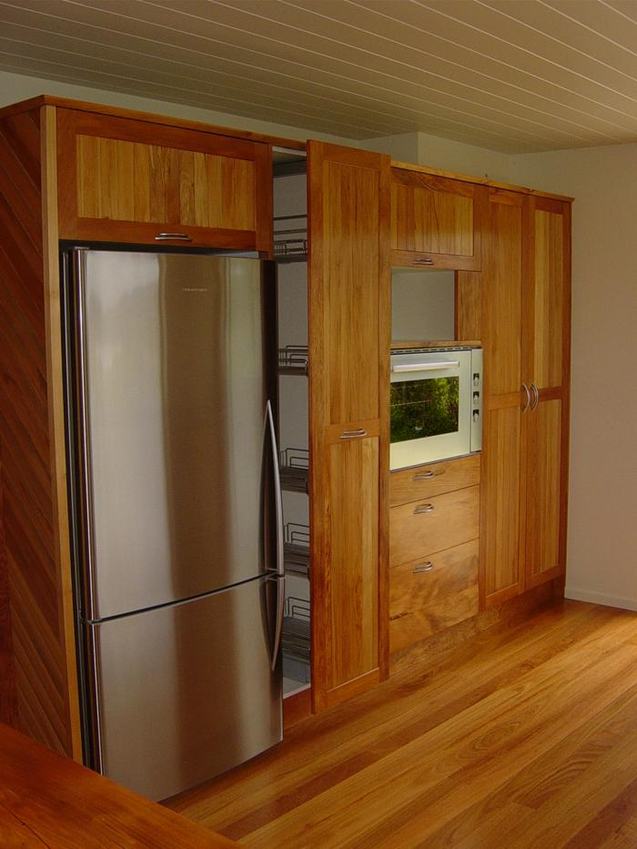 pull-out pantry - open_700x933