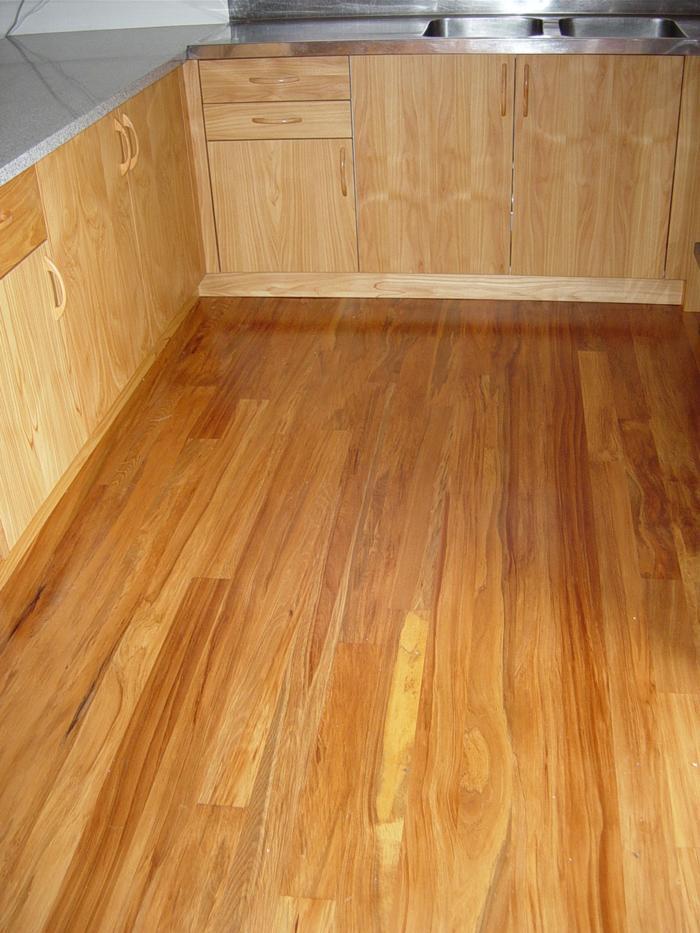 rimu floor with macro veneer kitchen_700x933